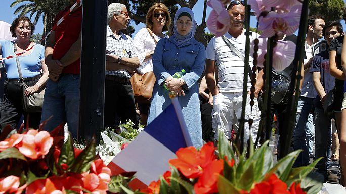 В Ницце приспущены флаги