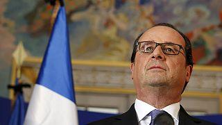 """Hollande: """"Unos 50 heridos se debaten entre la vida y la muerte"""""""