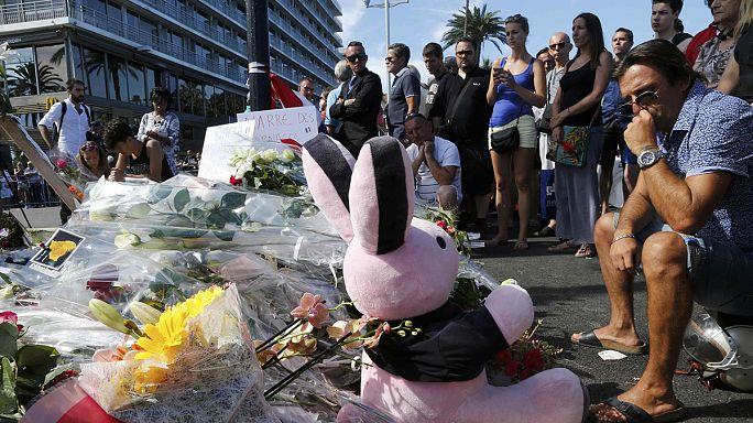 Hivatalosan is terrortámadásnak minősítik a nizzai támadást