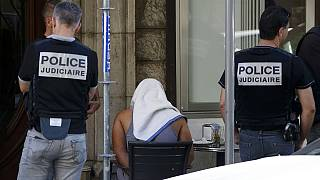 """Mohamed Bouhlel: O insuspeito """"soldado do EI"""" de Nice"""
