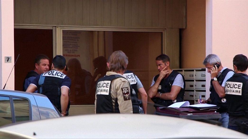 Fransa içki içmeyen ve camiye gitmeyen teröristin nasıl radikalleştiğini araştırıyor