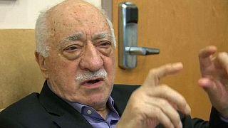 Mouvement d'humeur contre Fethullah Gülen devant sa résidence