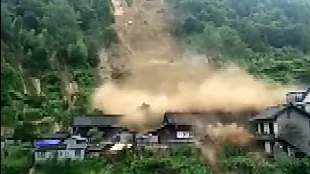 Ferocious mountain torrents destroy houses in Hunan, China