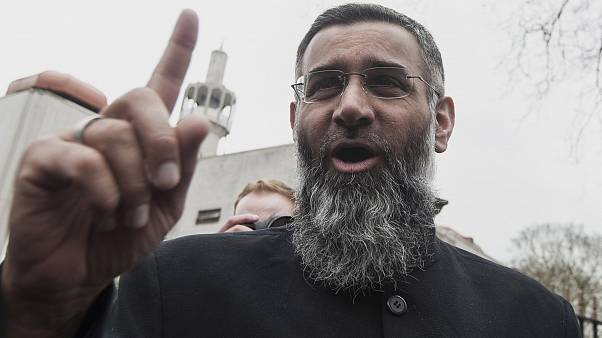 Image: British muslim cleric Anjem Choudary speaks during a rally calling f