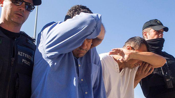 Yunanistan'a kaçan 8 asker darbeden haberdar değilmiş