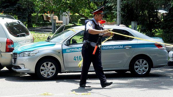 Kazakistan'da polis karakoluna saldırı