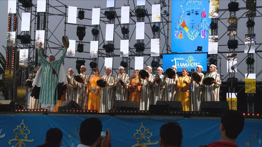 A toleranciát és a szeretetet hirdeti a berber zene ünnepe Agadirban