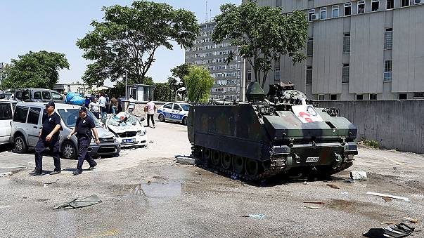 """Turquia: Detenções e julgamentos na """"limpeza"""" de Erdogan"""