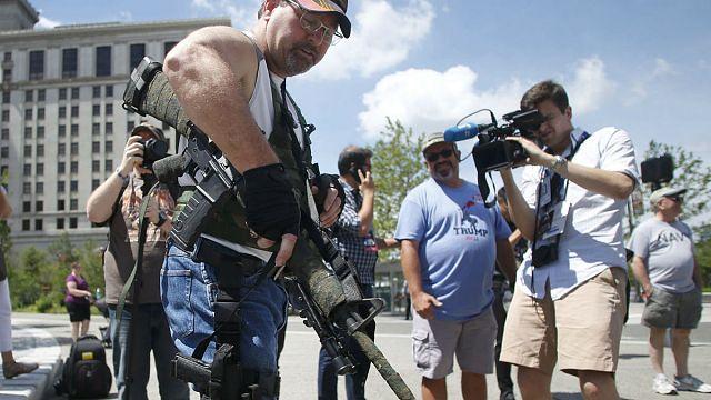 Съезд республиканцев в Кливленде: оружие - это не игрушки!