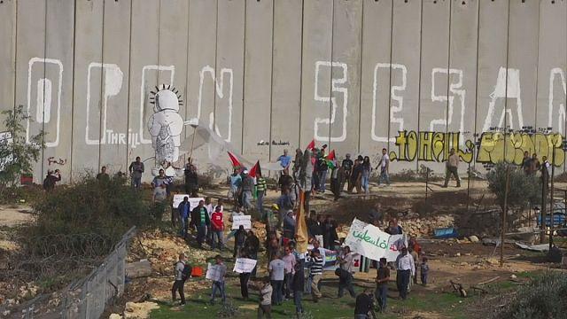 """فيلم """" الإخلال بالسلام """"...فلسطينيون واسرائيليون معا من أجل السلام"""