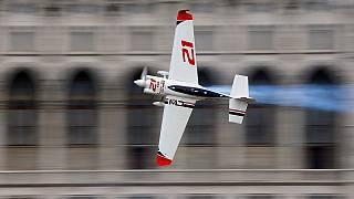 Red Bull Air Race: trionfo di Dolderer a Budapest