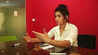 """Polémica: QandeelBaloch, a """"Kim Kardashian paquistanesa"""", foi fotografada com um clérigo"""