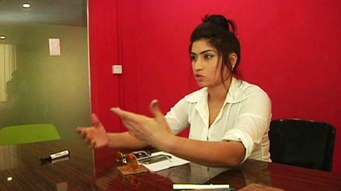 """Pakistan : une jeune star des réseaux sociaux assassinée par son frère """"pour l'honneur"""""""