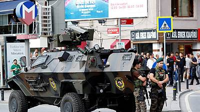 Failed coup: Turkey removes 8000 police officers from posts