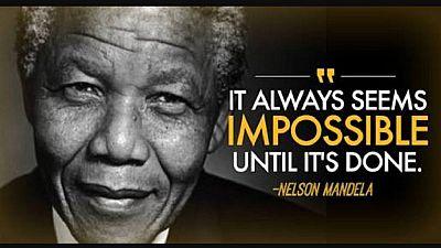 """Hommage à Mandela 1/3 : la vie de Nelson Mandela, """"père"""" de l'Afrique du Sud"""