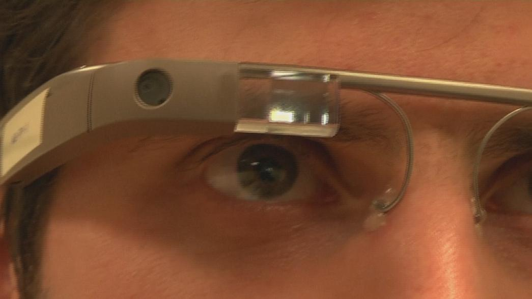 Hi-tech glasses help autistic children recognise emotions