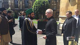 [Photos] Archbishop of Canterbury hosts top Pakistani cleric