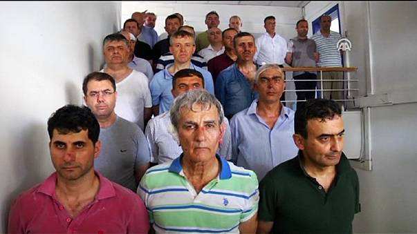 Törökország: folytatódik a tisztogatási hullám