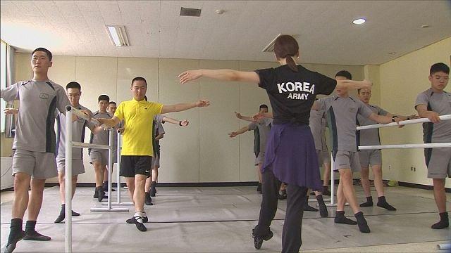 Il balletto come terapia anti-stress per i soldati sudcoreani