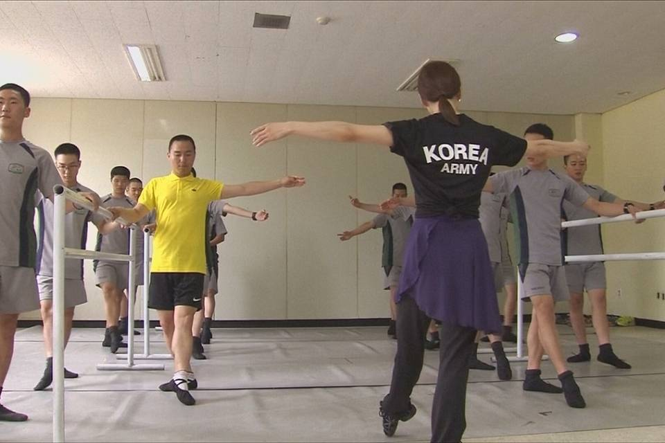 South Korean soldiers swap their military boots for ballet shoes