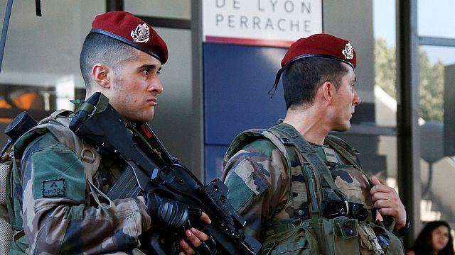 Франция: резервисты на защите от террора