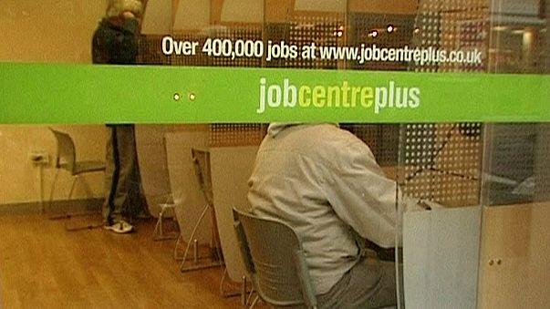El paro en el Reino Unido baja al 4,9%, aunque aumenta el número de desempleados