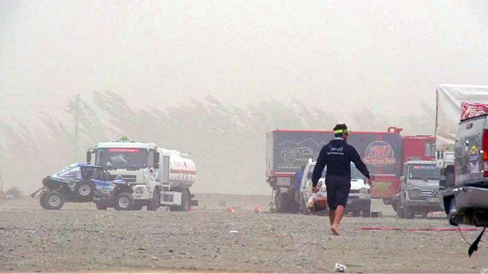 İpek Yolu Rallisi: Sürücüler kum fırtınasına takıldı