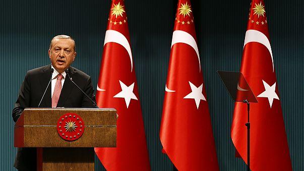 Türkiye'de üç ay olağanüstü hal ilan edildi