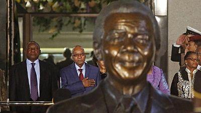 """Hommage à Mandela 3/3 : Mandela, un """"géant moral"""", symbole d'une Afrique du Sud unie"""