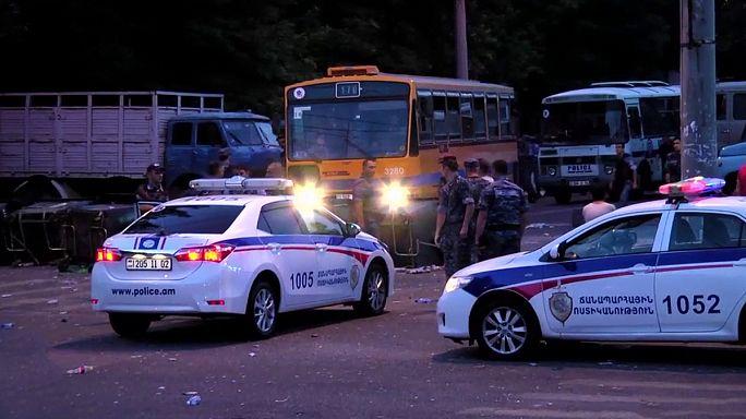 Ереван: еще более 130 участников протеста задержаны