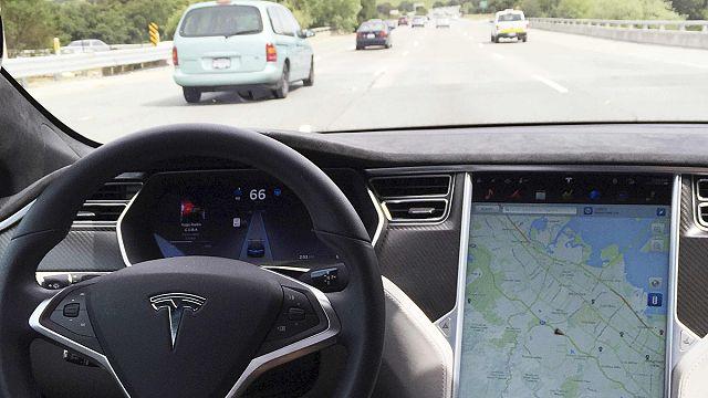Tesla bu kez elektrikli otobüs-kamyon üretimi peşinde
