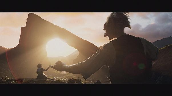 """O Amigo Gigante"" de Steven Spielberg nas salas de cinema"