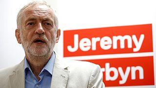 İngiltere İşçi Partisi'nde liderlik yarışı kızışıyor