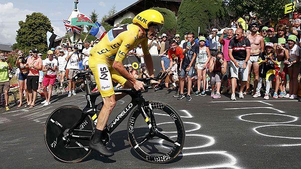 Fransa Bisiklet Turu: Christopher Froome durdurulamıyor