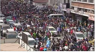 Zimbabwe : les pro-Mugabe manifestent dans la capitale