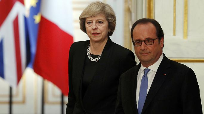 May in Paris: Hollande warnt vor Unsicherheit nach Brexit-Votum