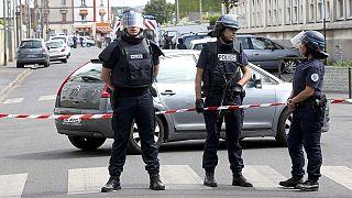 فرنسا تواصل حملة المداهمات وتعتقل شخصا واحدا في أرجونتويل