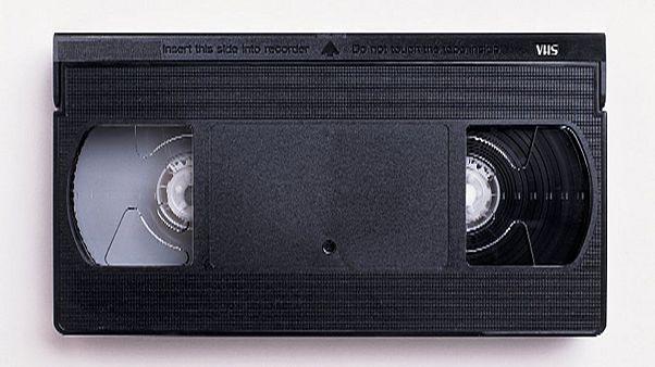 آخر شركة مصنعة لاجهزة تشغيل أشرطة الفيديو تعتزم وقف انتاجها