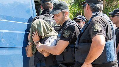 Ύποπτη η μεταφορά των 8 Τούρκων στην Αθήνα επισημαίνουν οι συνηγοροί τους