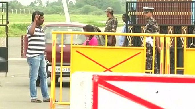 Katonai repülő után kutatnak Indiában