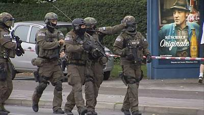 [LIVE] Germany: At least 9 dead in Munich shopping centre shooting