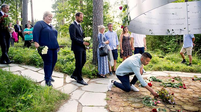 Norveç 5 yıl önce katledilen 77 vatandaşını andı