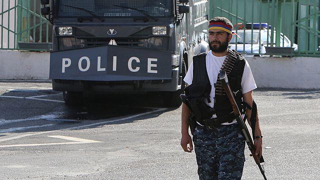 Ermenistan'da karakol baskınında rehin tutulan polisler serbest bırakıldı