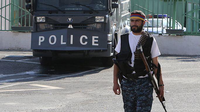 В Ереване освобождены заложники