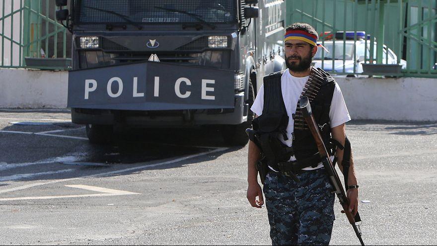 Armenien: Radikale Oppositionelle lassen Geiseln frei