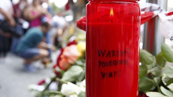 Alemania rinde tributo a las nueve víctimas del tiroteo en un centro comercial de Múnich
