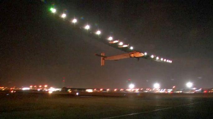 سولار إمبلس 2 تغادر القاهرة في اتجاه أبوظبي في رحلتها الأخيرة