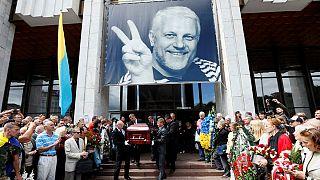 Cientos de personas dicen su último adiós en Minsk al periodista asesinado en Kiev