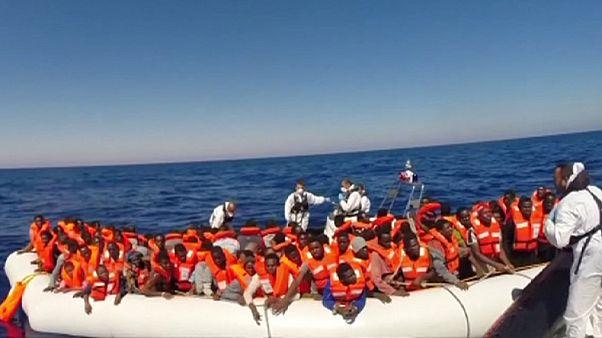 خفر السواحل الإيطالي ينقذ اكثر من 2600 مهاجر الاسبوع الماضي