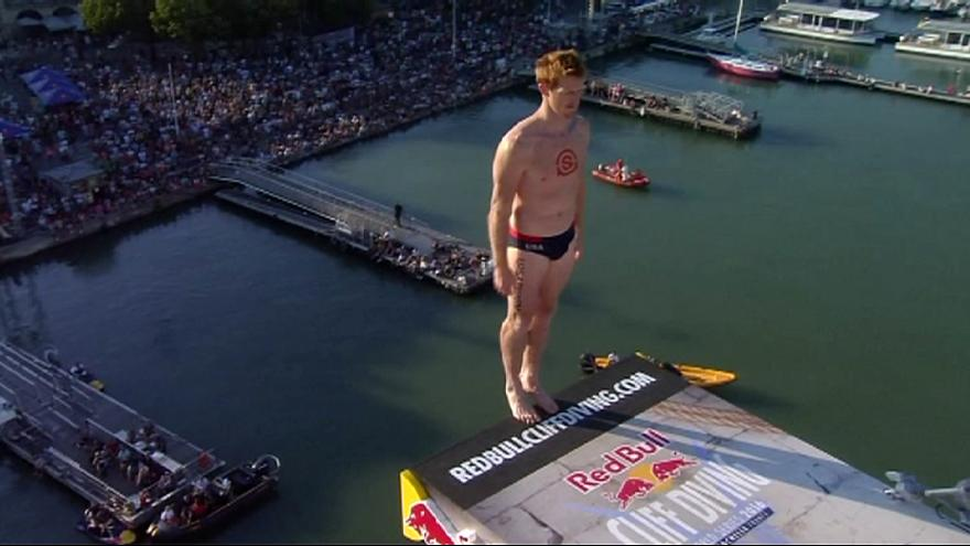 Hunt es el vencedor en las Series Mundiales Red Bull Cliff Diving 2016